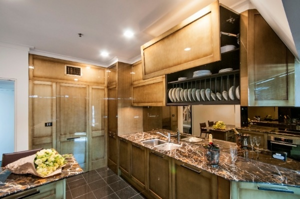Granite bench tops can add Hollywood glamour style to your kitchen