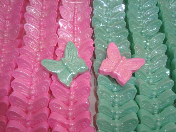 Χειροποίητα σαπούνια πεταλούδες http://www.bloom-bloomshop.com/%CE%9C%CF%80%CE%BF%CE%BC%CF%80%CE%BF%CE%BD%CE%B9%CE%AD%CF%81%CE%B5%CF%82/View-all-products.html