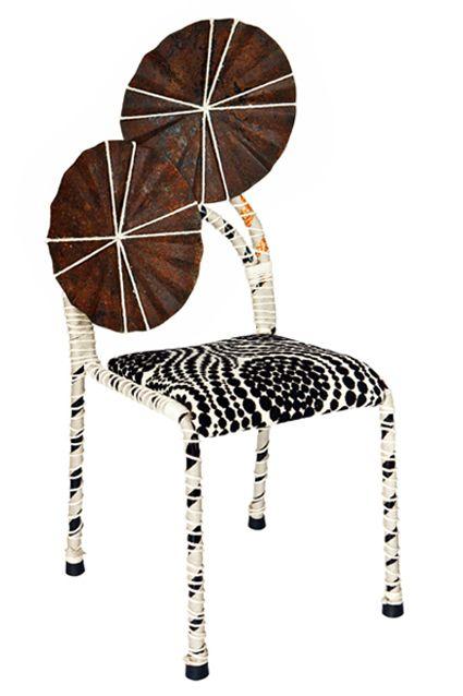 AFRIKA 001 - iron, fabric, straw