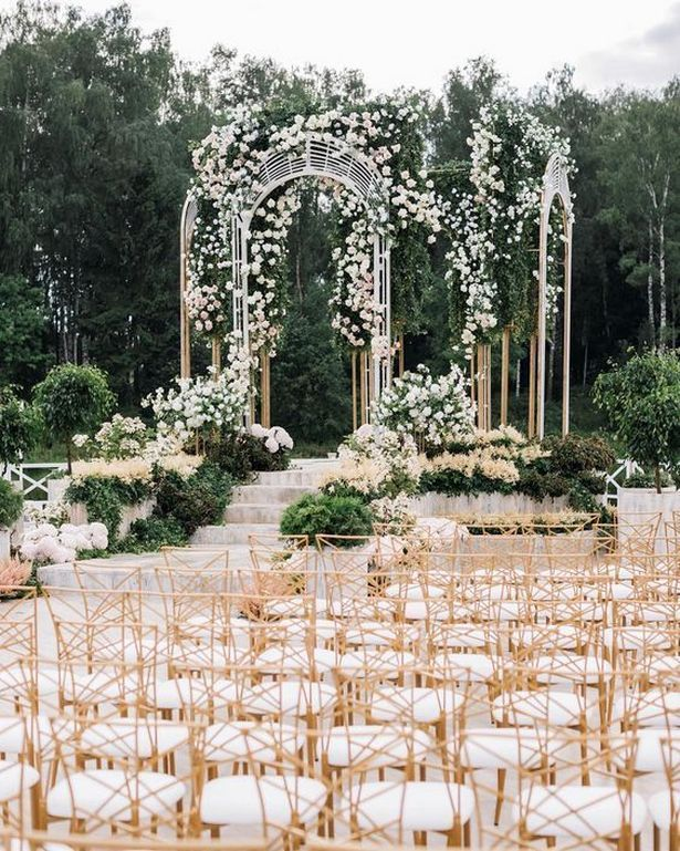 Your Wedding Ceremony Needs To Be Everything And More Here Are Some Of The Most Beautifu Outdoor Wedding Venues Luxury Wedding Venues Beautiful Wedding Venues