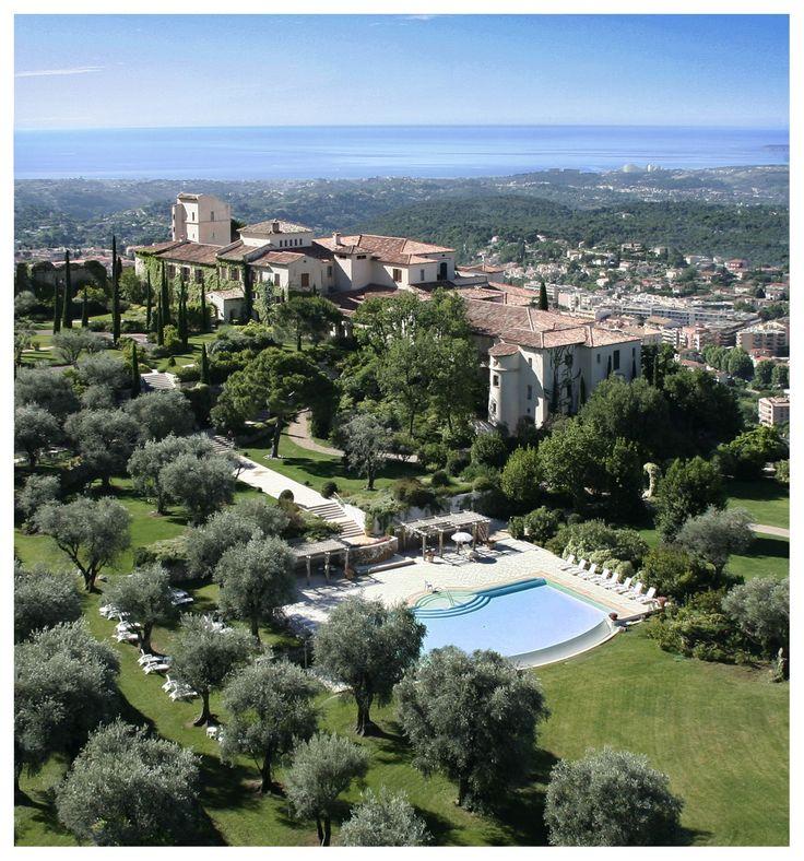 Expensive lodging (region: Alpes Maritimes) town, near Nice (30mins by car) : Chateau Saint-Martin and Spa       2490 Avenue des Templiers, B.P. 102, 06142 Vence Cedex (Alpes-Maritimes) France Tel.: + 33 (0)4 93 58 02 02          Fax: + 33 (0)4 93 24 08 91 E-mail: stmartin@relaischateaux.com