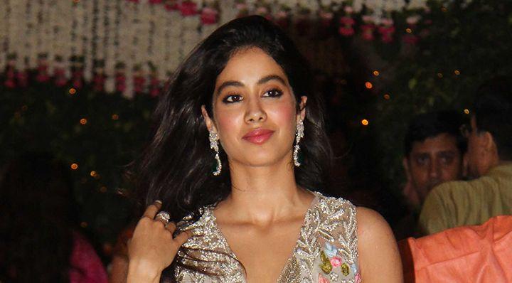 Jhanvi Kapoor Looks Surreal In Manish Malhotra's Latest Collection - MissMalini #757Live