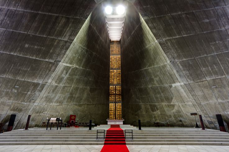 Kenzo Tange - St. Mary's Cathedral, Tokyo 1964. Hyperbolic concrete walls decades before computers