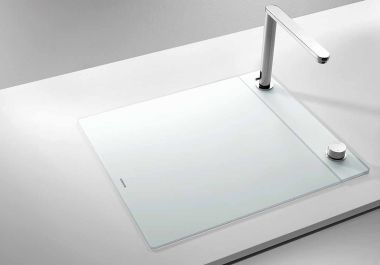 blanco hidden sink and retractable faucet. none of this stuff seems to be available stateside.