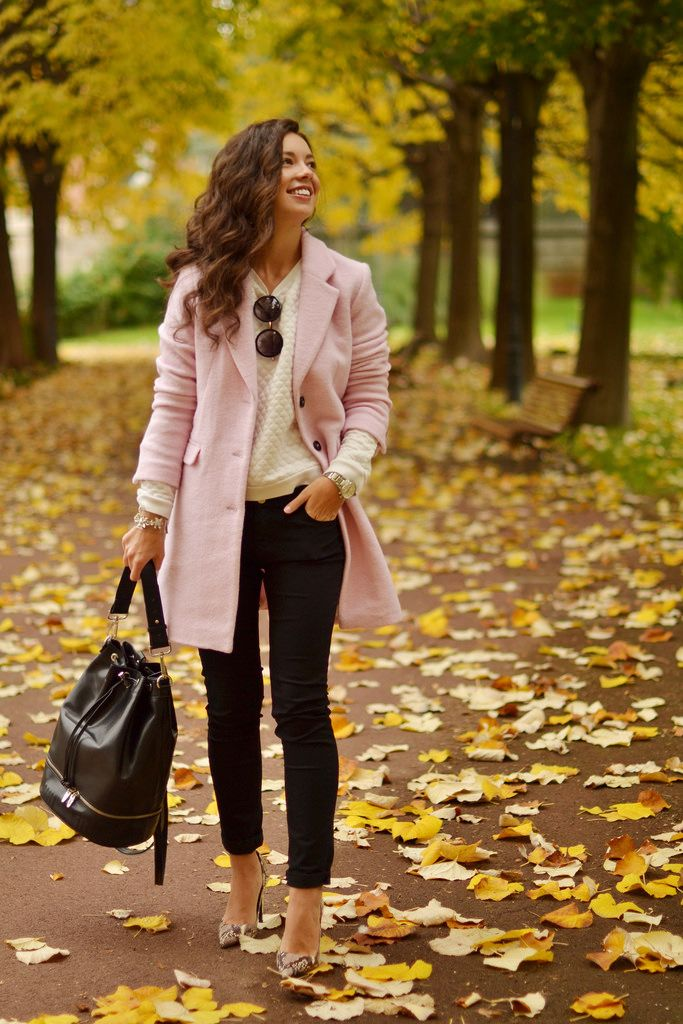 Pink coat with an off white sweater, black skinny jeans & handbag, leopard shoes