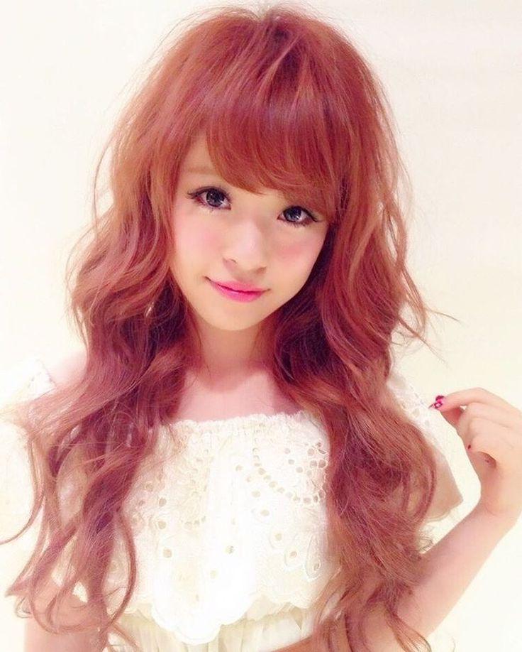♡ . 高3の時の今頃! 3年前!?😵きゃーー😵(笑) . ずーっとこのカラーの虜やったなぁ😂💗 こういうの見ると前髪も髪色も長さも どうしようか迷ってくる😨 けど多分路線変更しない😎なんやねんw . どんな髪型の空山さん推しですかみなさん。 . . #ヘアカラー #エクステ #ピンクカラー #髪色 #ヘアセット #巻き髪 #フェミニン #ヘアスタジオアルス #newヘア #イルミナカラー #ダブルカラー #サロンモデル #サロモ #作品撮り #京都ヘアサロン #ヘアサロン #お洒落さんと繋がりたい #秋ヘア #秋カラー #ヘアアレンジ #オフショル #秋コーデ #つけまつげ #アイメイク #ピンクチーク #ピンクリップ  #くうにゃんヘア