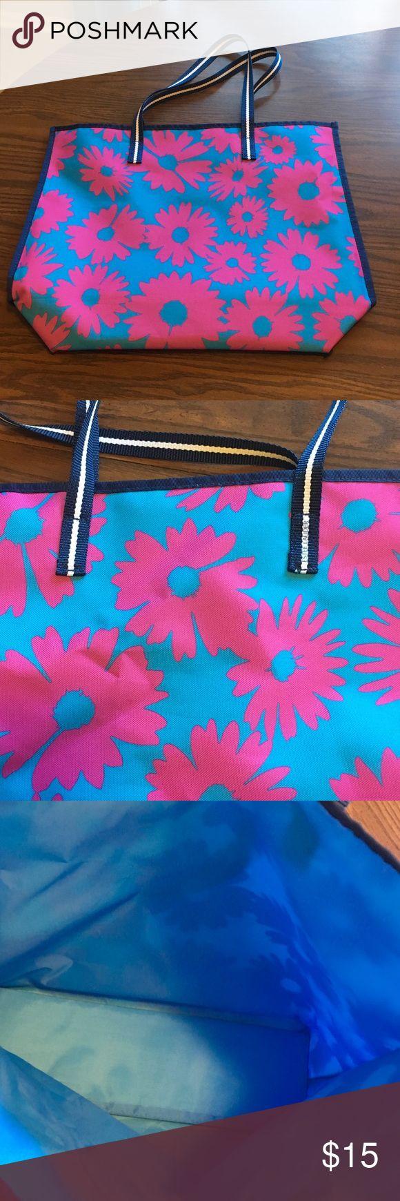 SALE! Estée Lauder Tote Estée Lauder Tote, blue with pink flower design. Brand new! Estee Lauder Makeup
