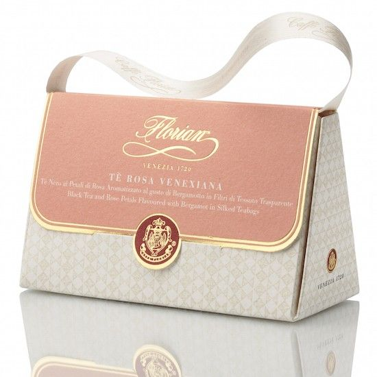 Venetian Rose tea – silken teabags Delicate and refreshing black tea and rose petals flavoured with bergamot. The venetian Rose tea, a classic blend excellent for all palates, is the result of the perfect balance between Chinese black tea and Asian rose petals.