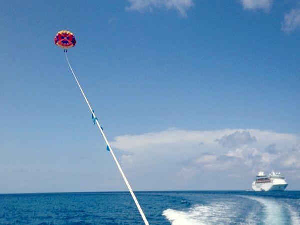 Sail above the Caribbean. #parasail: Carib Caribbean Islands, Del Carib Caribbean, Crui Ships, Caribe Caribbean Islands, Rci Cruises, Cruises Ships, Caribbean International, Caribbean Cruises, Del Caribe Caribbean