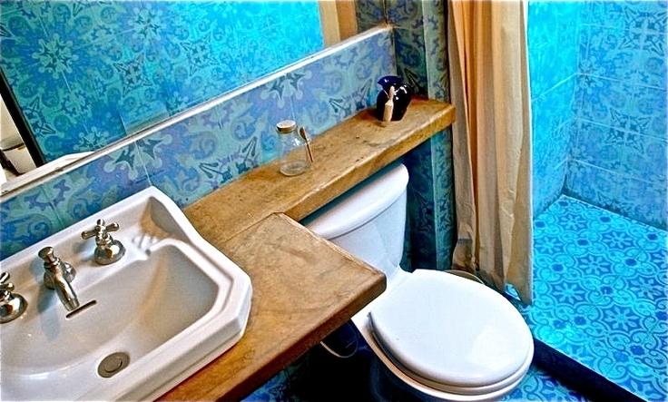 Baño en Alegria´s Hostel Bogota Colombia