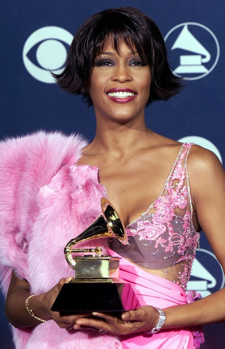 Whitney Houston Hairstyles 481 Best Images About Whitney Houston On Pinterest
