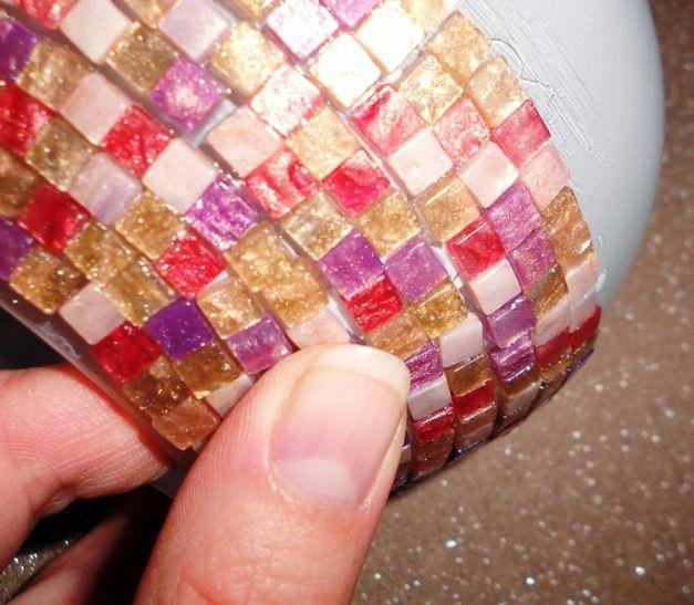 Egy lámpa új ruhája mozaikkal - How I covered a glass lamp with mosaics.