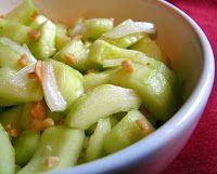 Cantinho+Vegetariano:+Salada+Picante+de+Pepino+com+Amendoim+(vegana)