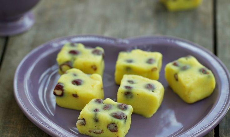 Рецепт - Шафрановое  бурфи с лесными орехами