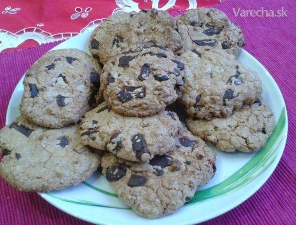 Čokoládové cookies s orechmi (videorecept)