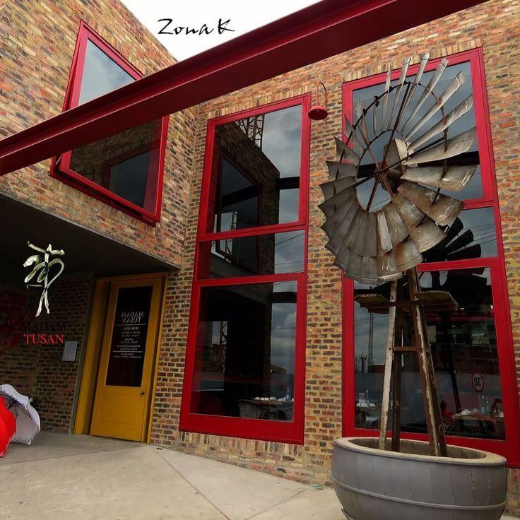 #zonakbogota #zonak #restaurantemadamtusan #madamtusan #usaquen  www.zonak.com.co  Desde hoy Madam Tusam tiene un nuevo inquilino ¿flor o molino?  queda a su imaginación