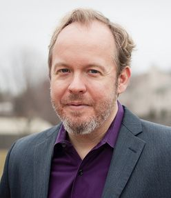 """Lexington native Drew Curtis, who runs the website Fark.com, has thrown his hat into the ring for the 2015 gubernatorial race in Kentucky. The race is wide open, as Governor Steve Beshear is ineligible to run for a third term. Curtis will run as an independent. In a wide-ranging exclusive interview with Business Lexington, Curtis cast himself as a """"citizen candidate"""" and talked about his plans and goals in joining the fray. He cited influence-peddling, party gridlock and ..."""
