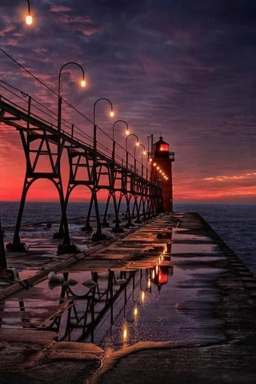 bluepueblo:  Sunset Lighthouse, South Haven, Michigan photo via hiroshi