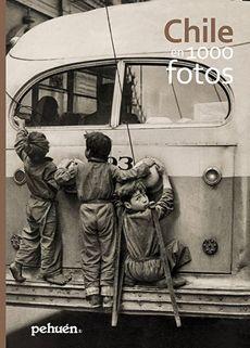 Del libro Chile En 1000 Fotos, niños colgando de un trolley
