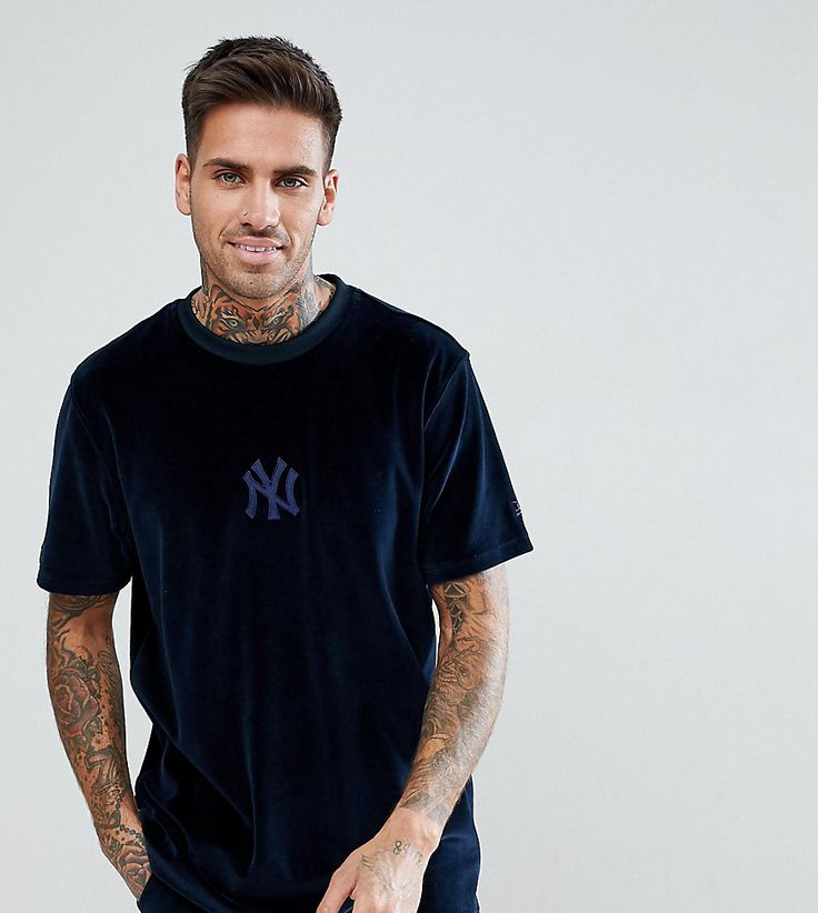 NEW ERA YANKEES VELOUR T-SHIRT IN NAVY - NAVY. #newera #cloth #