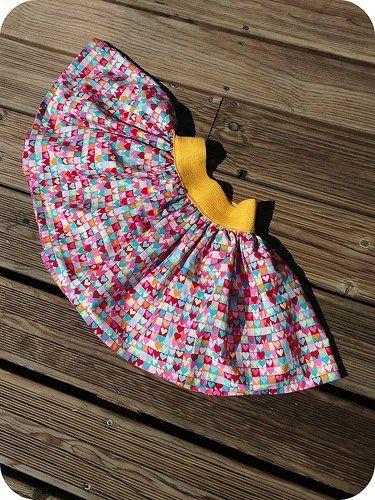 Encore un grand merci à Charlotte du blog que j'adore Et Puis La Neige Elle est trop Molle pour sontuto de la jupe Diabolo, une jupe qui tourne pour le plus grand bonheur de nos petites minettes !...