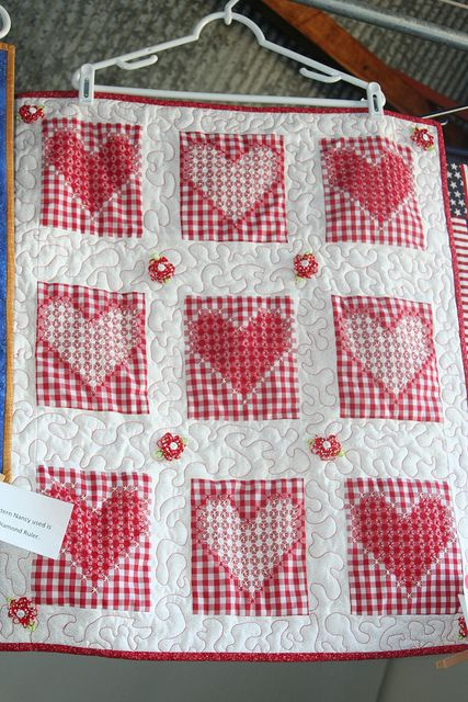 Cute Quilt with Chicken Scratch Bordado Español
