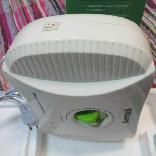 Очиститель воздуха для квартиры  Липецк  Озон-  активный кислород, который очищает воздух. Теперь озоном можно пользоваться не выходя из дома. Если Вы хотите жить в «чистом» доме, то Вам непременно нужно приобрести ионизатор-озонатор «Алтай». Генератор озона необходим Вам в осенне-зимний период для профилактики вирусных заболеваний, особенно если у Вас в доме маленький ребёнок! Вы даже не можете себе представить сколько функций у этого прибора: -с помощью озонатора Вы сможете делать очистку…