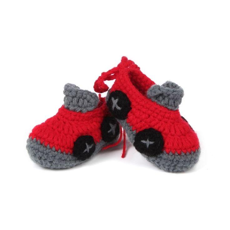 男のが大好きな赤い車のブーツ。大喜び間違い無し!かぎ針編みのベビーシューズ♡