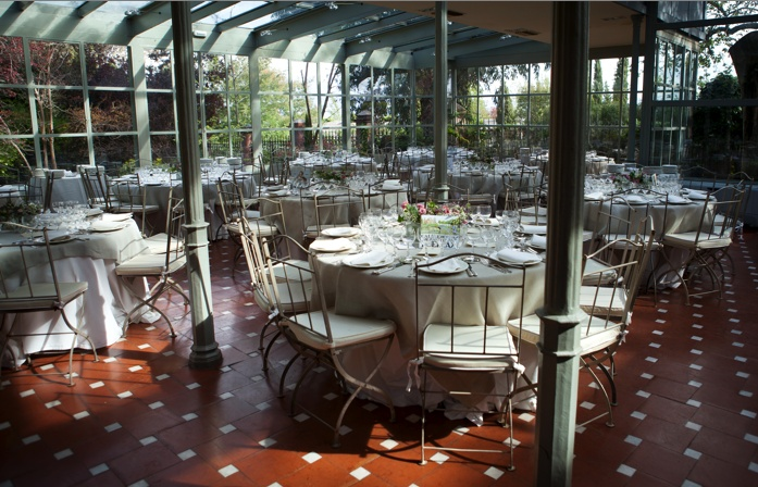 Salón invernadero listo para el almuerzo nupcial, Wedding planners, organización de bodas One & Perfect Wedding Planning