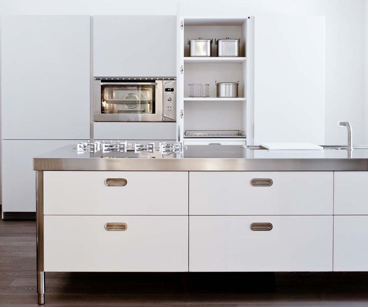 Italian company Alpes Inox makes freestanding stainless steel kitchen systems that consist of ranges and cabinets on wheels, gas burner counters, oven/beverage refrigerator combo, and more. For more, seeRace-Car-Style Appliances for Compact Kitchens.