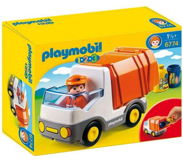 (Henri) Renaud-bray 15$ Ou n'importe quel petit jouet Playmobil de ce genre. Nous avons la voiture de course et la fusée et c'est parmi les jouets préférés de Jules (clin d'oeil à Diane et Bob qui les ont offerts à son 1er anniversaire!).