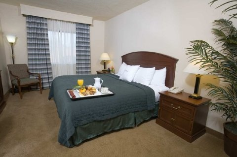 Doubletree Guest Suites Charlotte / Southpark - Charlotte, NC - Dog friendly hotel in Charlotte, NC