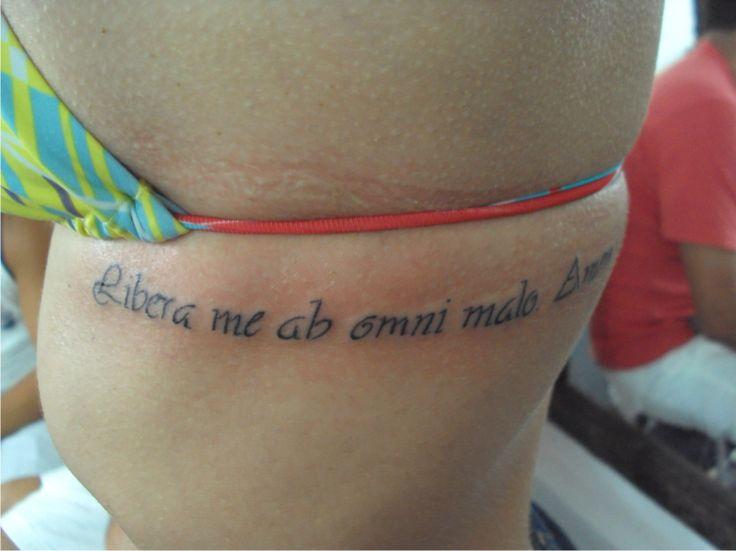 Tatuagem escrita frases latim costela tattoo for Tattoo writing on ribs