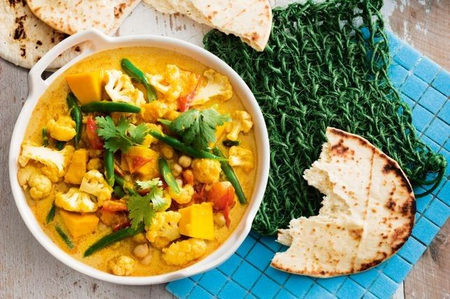 Creamy chickpea and vegetable curry