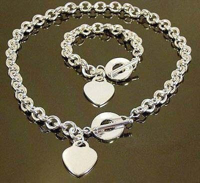 Free Shipping Wholesale Fashion Jewelry Set, 925 Sterling silver Necklace and Bracelet . Nice Jewelry. Good Quality S76