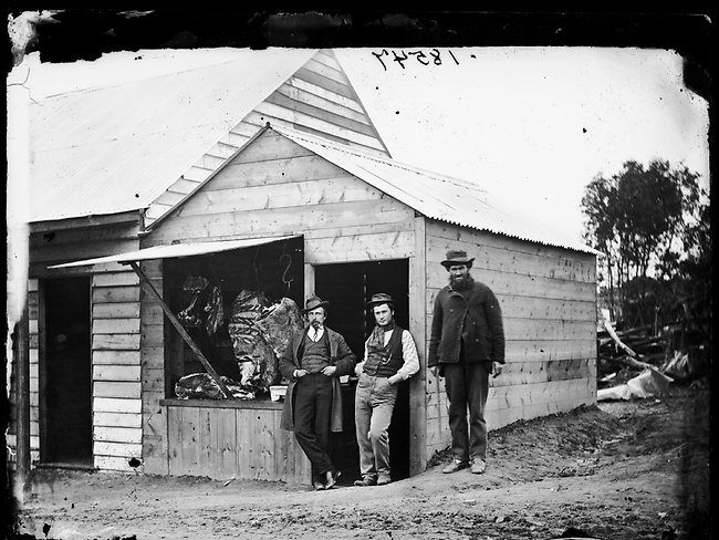 Check out these old back-and-white photos of Australia during the 1870 gold rush. These mostly show the town's inhabitants standing proudly in the dusty to
