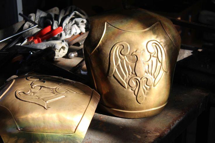 Lavorando sulla corazza del pupo siciliano Orlando - Working on Sicilian puppet Orlando's armor