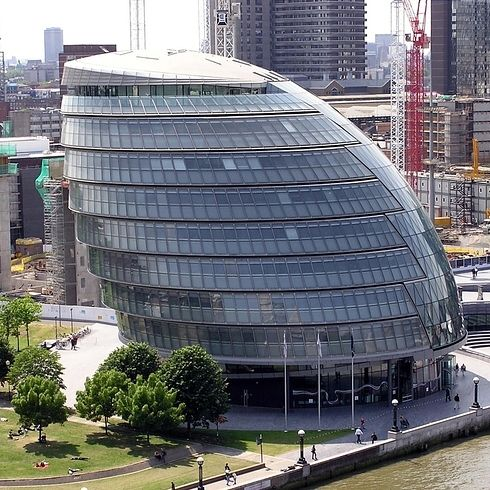 """The office block from which Muggles see wizards flying past (City Hall, Queen's Walk) 