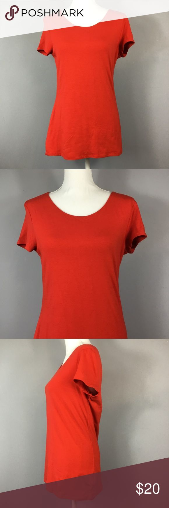 "New Express Red Short Sleeve Tunic Top Large Express Red Short Sleeve Tunic Top Womens Size Large Casual Zipper Back  Measurements are laying flat 	•	Underarm to underarm 18"" 	•	Length 26"" from shoulder to hem Please check out my other items for more sizes and styles! Express Tops Tunics"