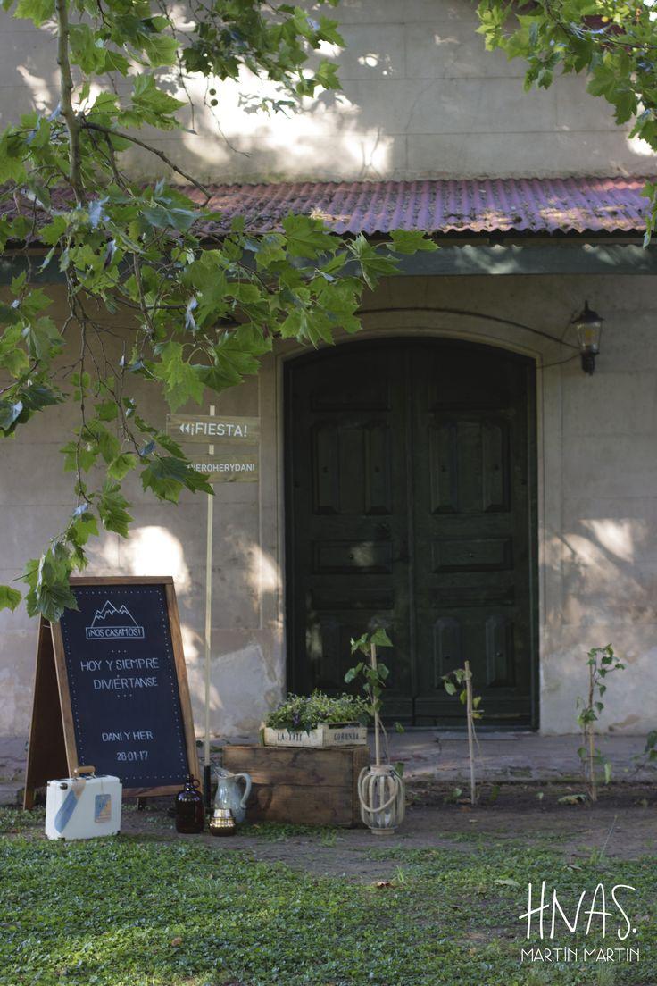 Estancia Santo Domingo, Lobos - casamiento - boda - ambientación - wedding - decorwedding - campo - caballerizas, pizarra, lettering
