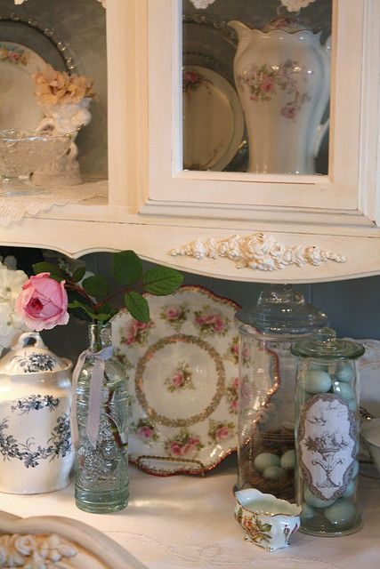 52 best images about lovely vignettes on pinterest romantic shabby chic shabby chic and. Black Bedroom Furniture Sets. Home Design Ideas