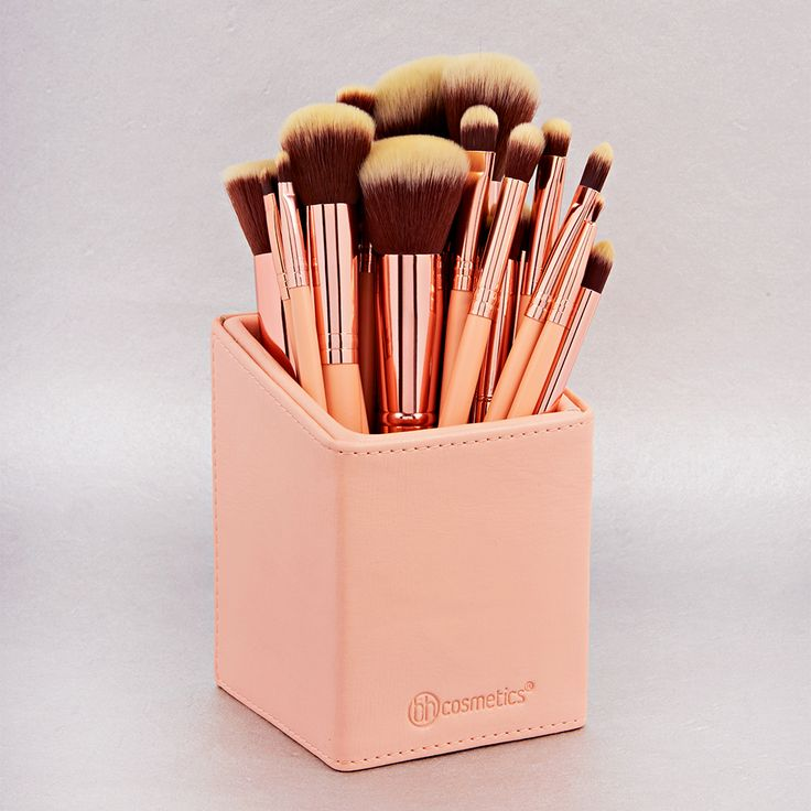BH Cosmetics BH Chic Brush Set and Angled Brush Cup Holder ☼☽ @ElizSophShort ☾☼