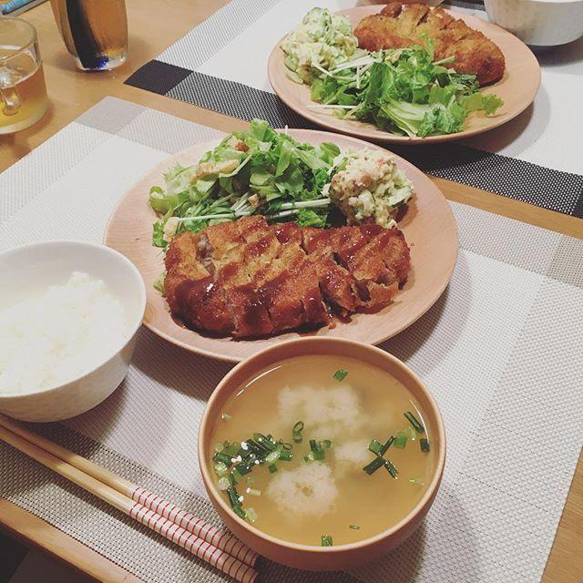 とんかつ&ポテサラ&しじみの味噌汁  #とんかつ #肉 #ばんごはん #晩ごはん #おうちごはん #ふたりごはん #dinner #献立 #夜 #よるごはん #夕食 #menu #日々 #暮らし #ごはん #食卓 #cookingram #クッキングラム #料理 #レシピ #instafood #foodpic