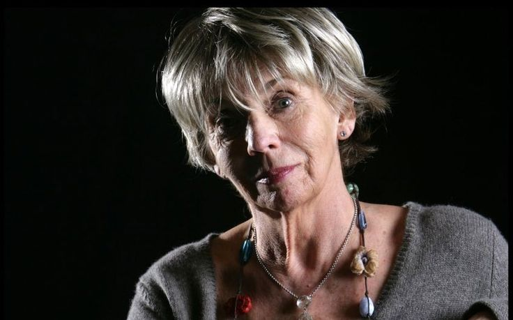 Sue Johnston to join Downton Abbey cast for series five The Royle Family actress Sue Johnston will take on a guest role downstairs at Downton Abbey