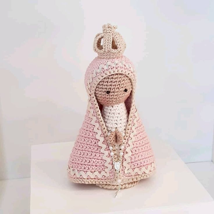 Amigurumi Santinha de Crochê - lilibee - mobile | 736x736