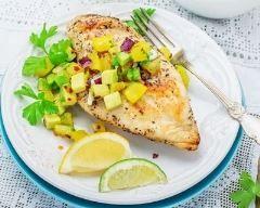 Dinde grillée à la salsa d'ananas et d'avocat au citron (facile, rapide) - Une recette CuisineAZ