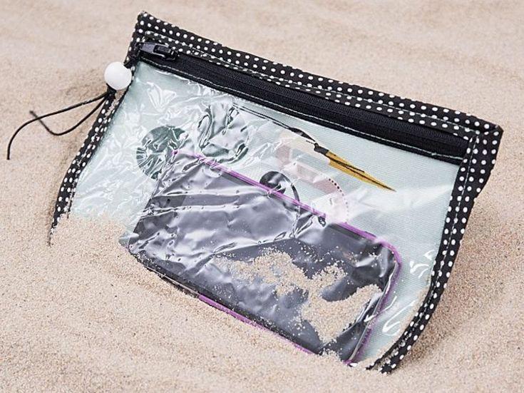 DIY-Anleitung: Spritz- und sandsichere Handytasche mit PVC-Folie nähen, Strandaccessoire / DIY tutorial: beach bag for your cell phone as sand protection, sewing instruction for beach accessory via DaWanda.com