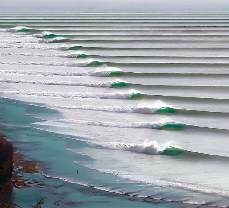 The longest waves in the world appear in Puerto Chicama, Peru