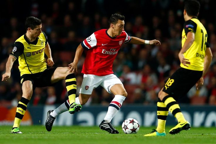 Arsenal 1-2 Dortmund. How Bender and Sahin dominated the midfield areas at the Emirates.
