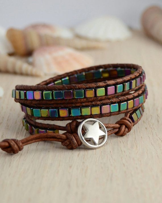 Cube bracelet. Metallic multicolor wrap bracelet por SinonaDesign